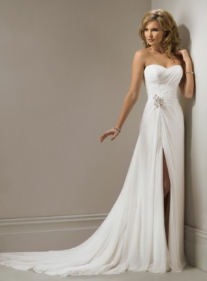 CHARMING SLEEVELESS A-LINE FLOOR-LENGTH WEDDING http://www.weddingdressbee.net/